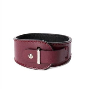 Gucci Unisex Leather Cuff Bracelet with Silver
